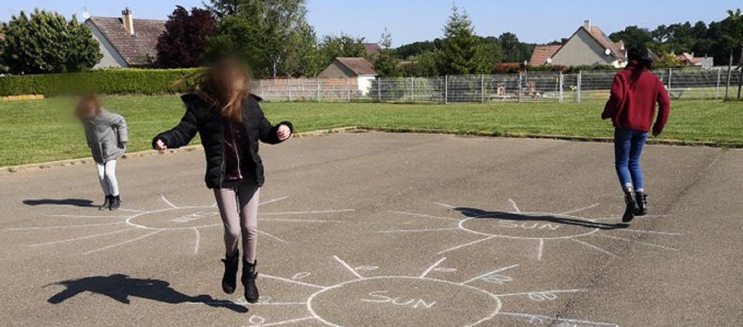 Faire bouger les enfants à l'école en respectant les gestes barrières